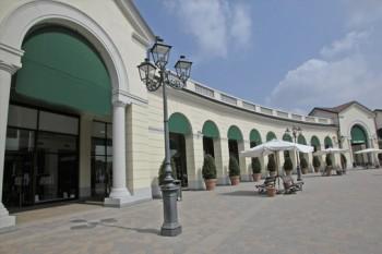 magasin usine Serravalle Italie
