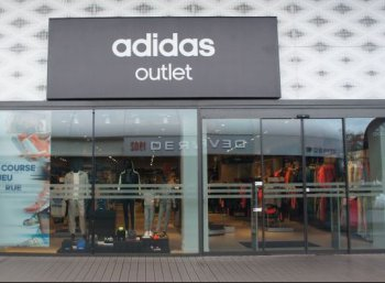adidas outlet store beaucouz magasins d 39 usine. Black Bedroom Furniture Sets. Home Design Ideas