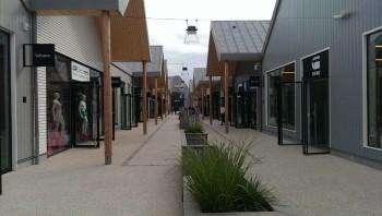 Aubergenville marques avenue a13 magasins d 39 usine - Piscine d aubergenville ...