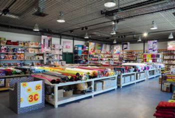 Stof laura lancelle la tourette magasins d 39 usine - Magasins de tissus rennes ...